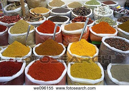 spice-stall-anjuna-beach-market-stock-photography__we096155.jpg