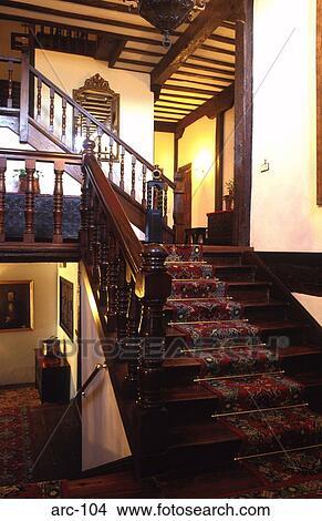 Vieux Bois Escalier Dans Une Anglaise Maison Image