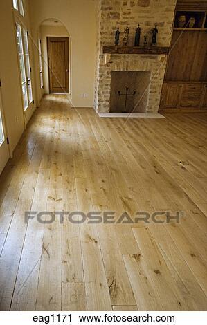 Pavimento legno duro, e, pietra, caminetto, in, soggiorno ...
