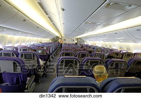 Banque de photo int rieur avion de singapour lignes for Interieur boeing 777