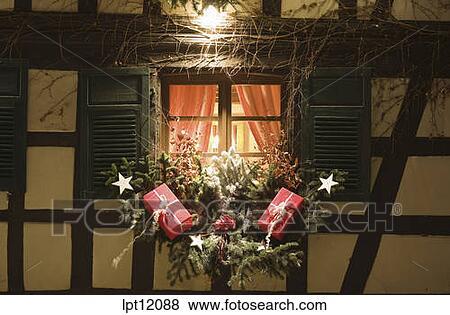 Images clair demi timbered maison fen tre for Decoration fenetre maison