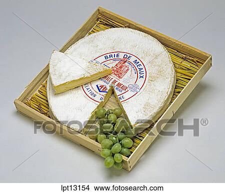 ... MEAUX FRENCH CHEESE AND WEDGE WITH WHITE GRAPE IN BOX WITH STRAW MAT