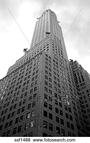 Pictures Of The Chrysler Building Reaching Up To Sky Black And