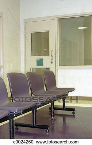 Banques De Photographies Chaise Porte Salle Dattente Fenêtre