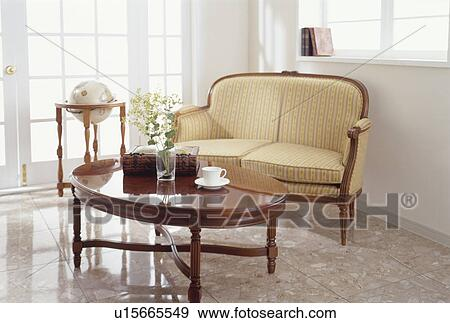 Old Fashioned Sofa And Coffee Table