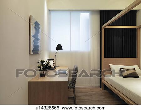 klein bureau in hippe slaapkamer