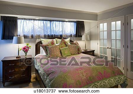 Camera Letto Rosa : Immagine maestro camera letto con rosa e verde accenti