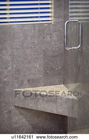 Mosaik fliese, regal, in, dusche Stock Bild | u11642161 ...