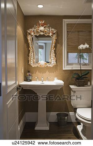 Bon Pedestal Sink In Small Half Bath