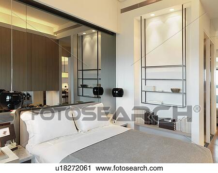 Specchio, sopra, testata letto, in, camera letto Archivio Immagini