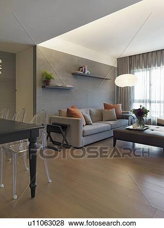 Immagini vita moderna stanza e sala da pranzo con pavimenti legno duro u11063028 cerca - Stanza da pranzo moderna ...