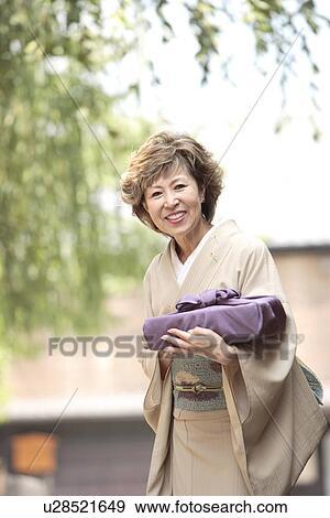 Mature women of japan
