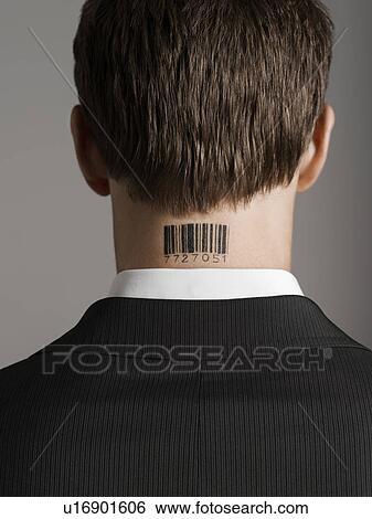 Banque D Images Jeune Homme A Code Barres Tatouage Sur Sien
