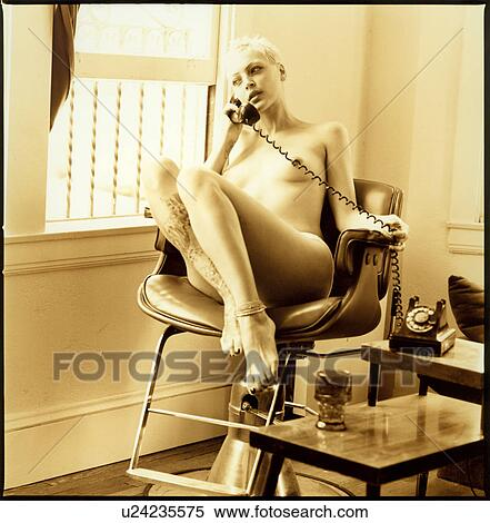 Naked woman on telephone picture 739