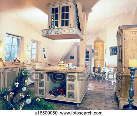 Berühmt Altmodisch, kueche, mit, kachelofen Stock Bild | u16500050 UT16