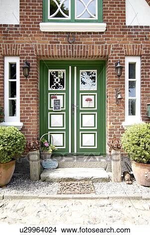 Eingangstür Landhaus stock foto - eingangstür, von, a, landhaus u29964024 - suche