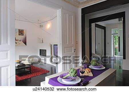 Stock Foto - hippe, open plan, keuken, met, doorgang, om te ...