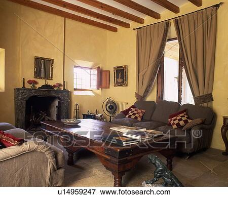 Rustico, soggiorno, con, caminetto Archivio Fotografico