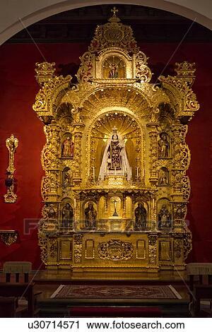 Archivio fotografico ornare oro altare pezzo con for Palazzo in stile spagnolo