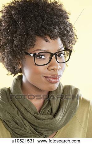 Banques de Photographies - portrait, de, une, femme américaine africaine, portant  lunettes b19306a2b974