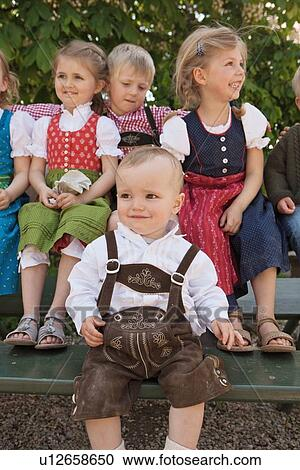 authentic bavarian clothing