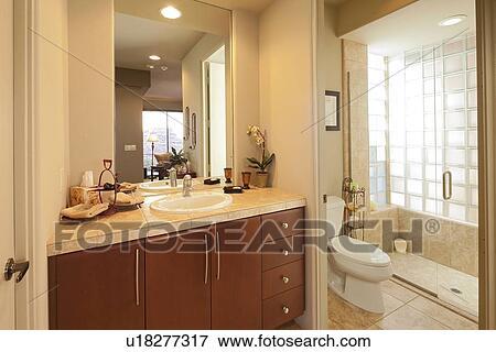 Klassische Badezimmer bild klassische badezimmer u18277317 suche stockfotografie