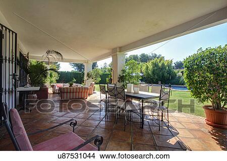 Archivio Fotografico - giardino, terrazzo, di, lusso, villa ...