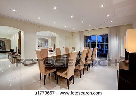 banques de photographies luxe salle manger dans riche maison