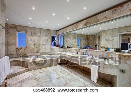 Banque de Photo - marbre, carrelé, salle bains, de, luxe, villa ...