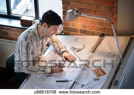 Bilder - architekt, zeichnung, pläne, an, zeichenbrett u88818708 ...
