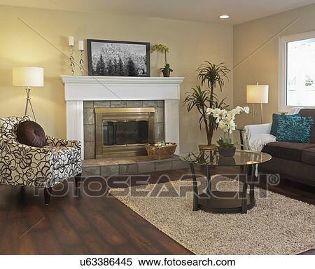 Stock Bild Ansicht Von Wohnzimmer Mit Kaminofen In