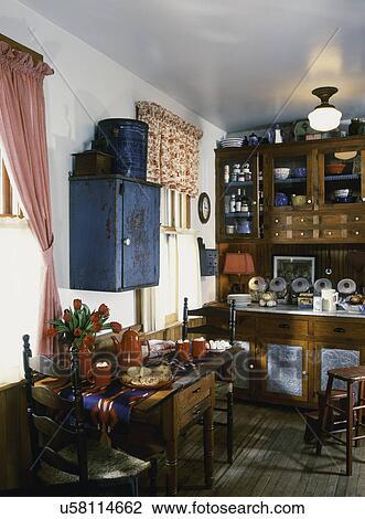Archivio Fotografico - consumo zona, in, cucina, con, anticaglia ...