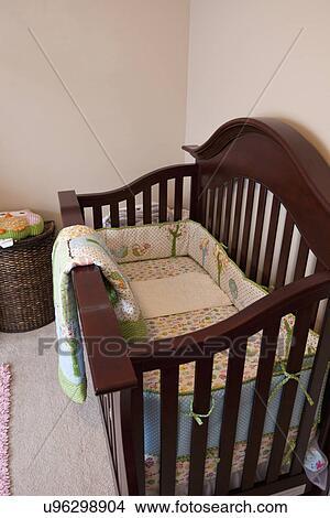 Excepcional Bebé Gris Pesebres Muebles Cresta - Muebles Para Ideas ...