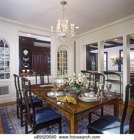 stock fotografie essen rooms dekorateurin chinesischer stil tisch und st hle geschirr. Black Bedroom Furniture Sets. Home Design Ideas