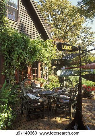 Banco de Fotografías - exteriores, -, country:, patio, ramita ...