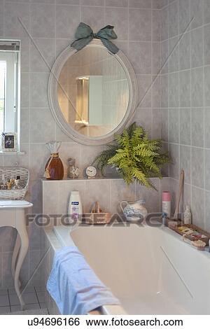 Stockmotiver - lille, badekar, ind, traditionelle, badeværelse ...