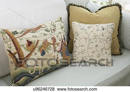 Divano Tessuto Floreale : Immagini pillows verde bianco cotone traliccio divano con