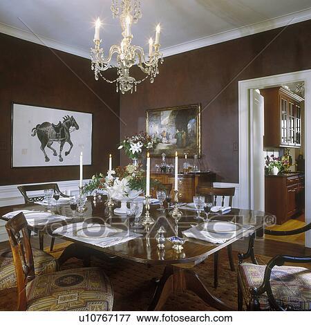 Image salle manger formel fruitwood table sombre for Salle a manger cristal
