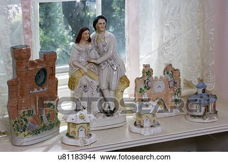 https://fscomps.fotosearch.com/compc/ULY/ULY231/verzameling-display-staffordshire-stock-foto__u81183944.jpg