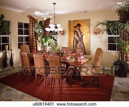 Banco de Fotografías - araña de luces, encima, mesa comedor ...