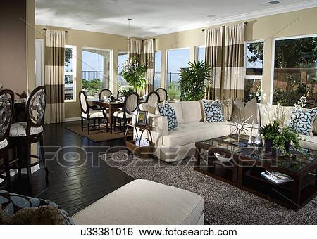 Contemporaneo, soggiorno, con, sofà bianco Archivio fotografico ...