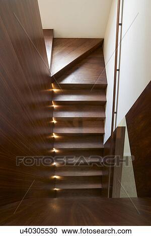 Escalier, intérieur, moderne, maison Banque d\'Image