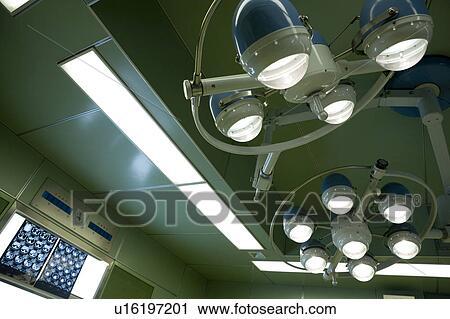 Archivio fotografico apparecchiatura illuminazione in sala