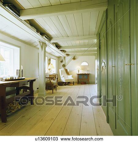 Abgestreift, hölzern, floorboards, und, grüne wand, schränke ...