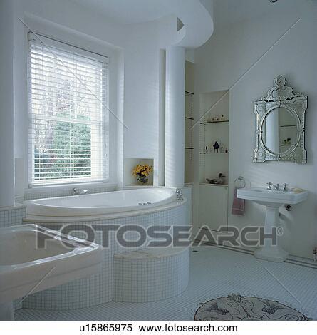 Archivio Immagini - bianco, pavimentato, architettonico, bagno, con ...