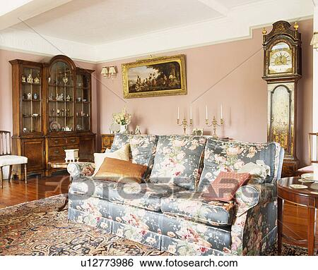 Tremendous Floral Patterned Sofa In Pink Traditional Living Room Stock Pdpeps Interior Chair Design Pdpepsorg