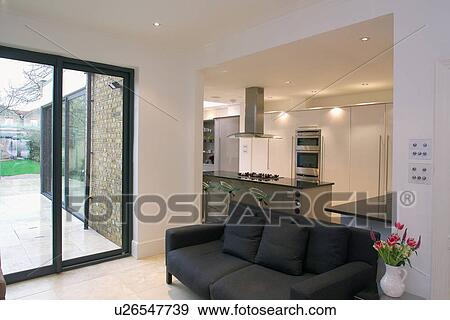 Glas, verandatüren, und, schwarz, sofa, in, openplan ...