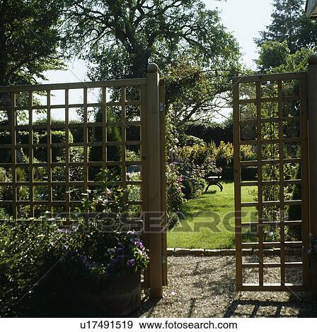Stock Fotograf Land Hr 664 Gitter Tor Einfahrt Zaun Garten