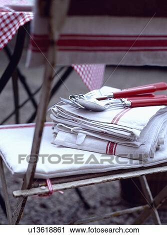 Banco de Fotografías - lino, rojo, muebles, silla, cubiertos ...