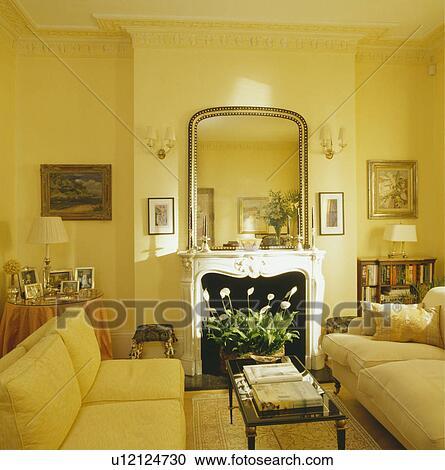 Beroemd Spiegel, boven, openhaard, in, gele, traditionele, woonkamer, met &OD61